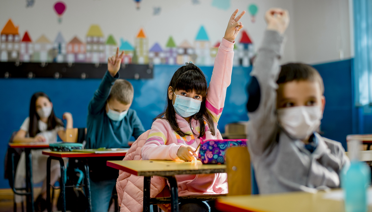 Unvaccinated School Teacher Removes Mask to Read, Infects 80 Percent of Classroom